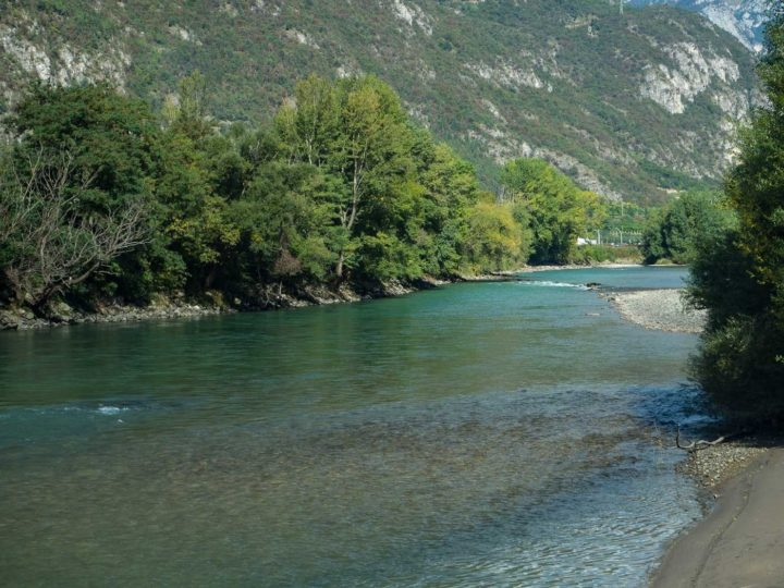 il fiume Adige presso Borghetto d'Avio, bassa Vallagarina, Trentino