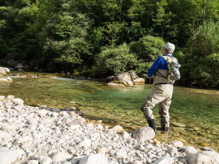 pesca a mosca sul fiume Leno ,Vallagarina, Trentino