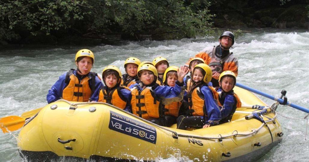 Rafting-family_header_slider