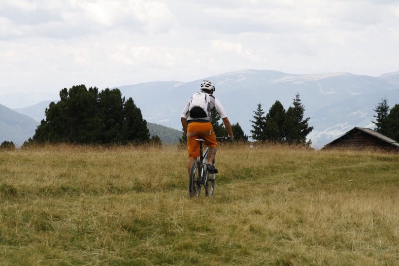 mountain-bike-744454_1920